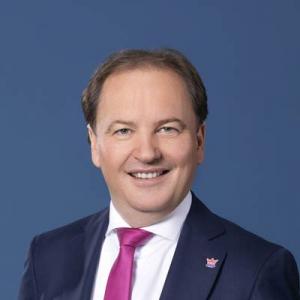 Mag. Bernd Hinteregger